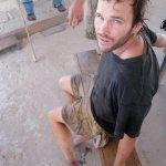 Cory Nauman mordido por una serpiente en el tobillo