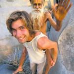 Chris Sharma con un yogi a cuestas. Foto: Prana