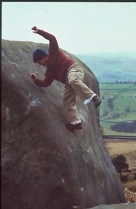 Johnny Dawes conservando la figura. Foto Stone Monkey