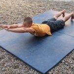 Neil Gresham entrenando dorsales. Foto: Rock + Run