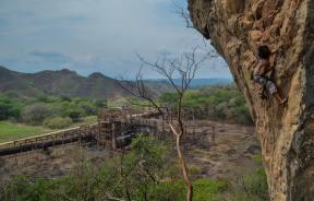 Amenaza de explosión de la roca de escalada en Torrellero