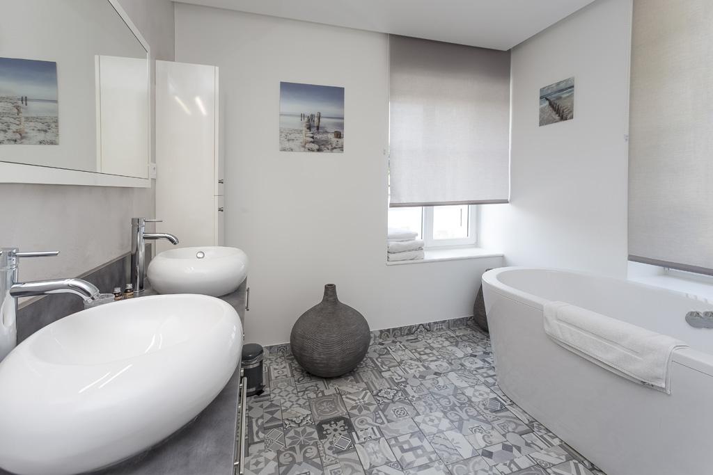 Suite-Chambre-vague-salle-bain