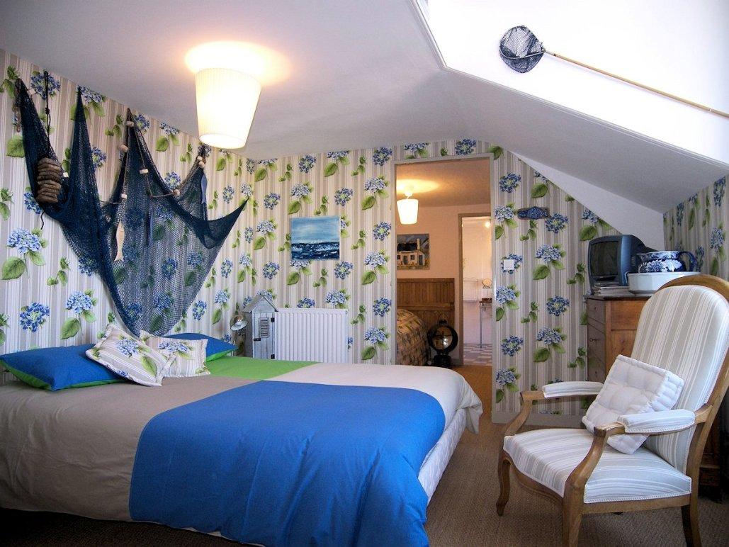 Les Glycines, Billiers (Morbihan, Bretagne) : suite le Lenig