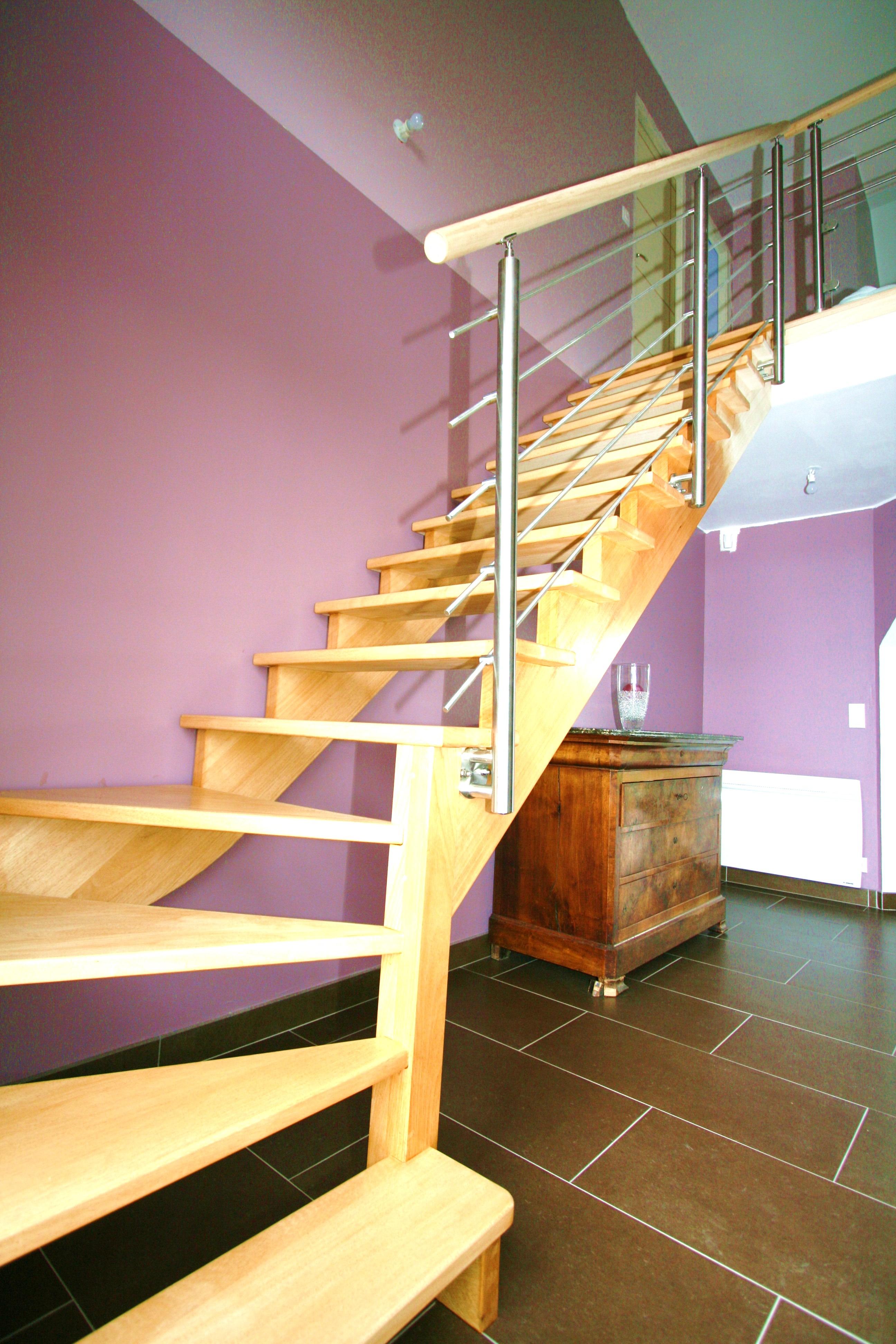 Le gc77 un escalier bois et inox couper le souffle for Prix d un escalier sur mesure