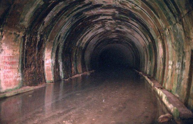 Túnel de La Engaña, abandonado