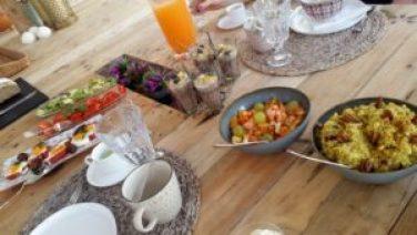 SIS Escapadas Spa en en desayuno del Retiro Rosa yoga en Ibiza