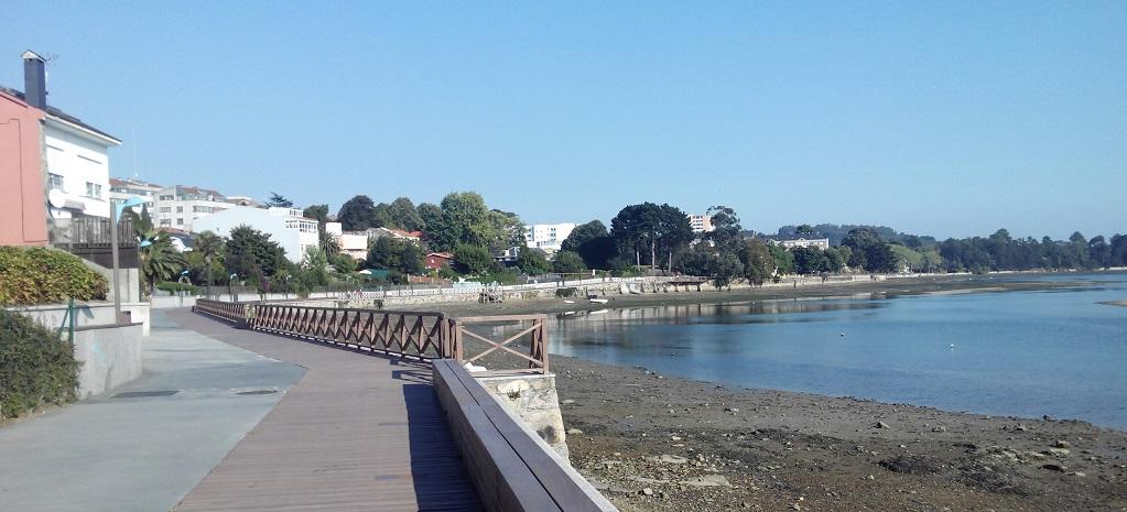El paseo marítimo de Santa Cristina (Oleiros, A Coruña)