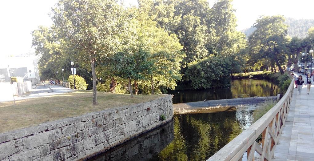 Paseo Fluvial de Arteixo y parques infantiles