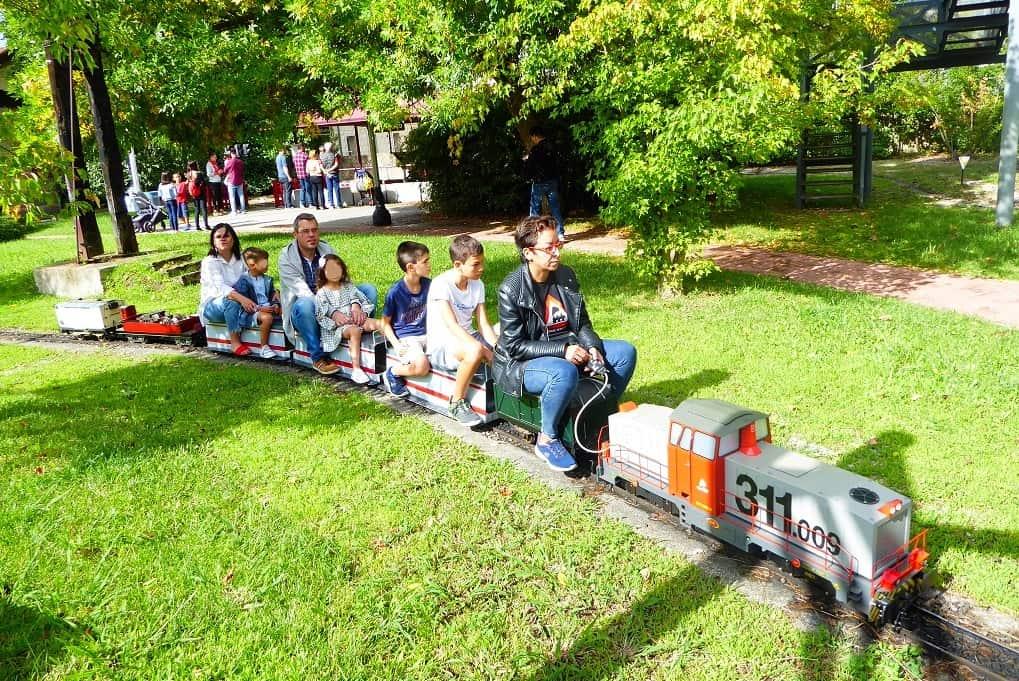 Ourense con niños parque ferroviario