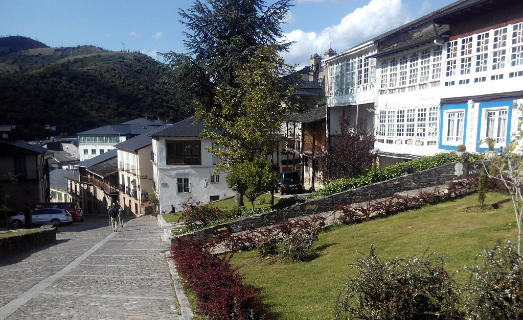 Lugares de la A6: Villafranca del Bierzo con niños