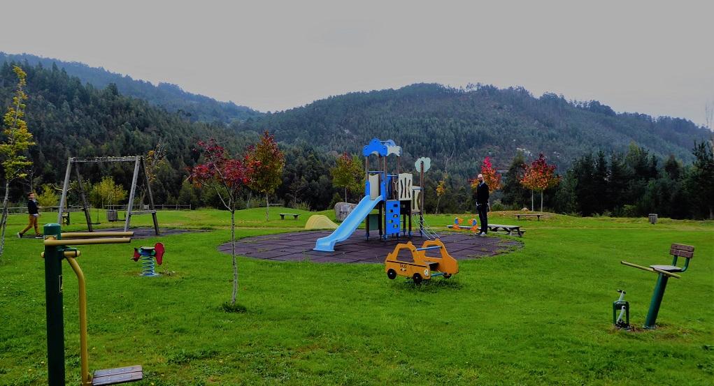Parque infantil y Área Recreativa de Ourol