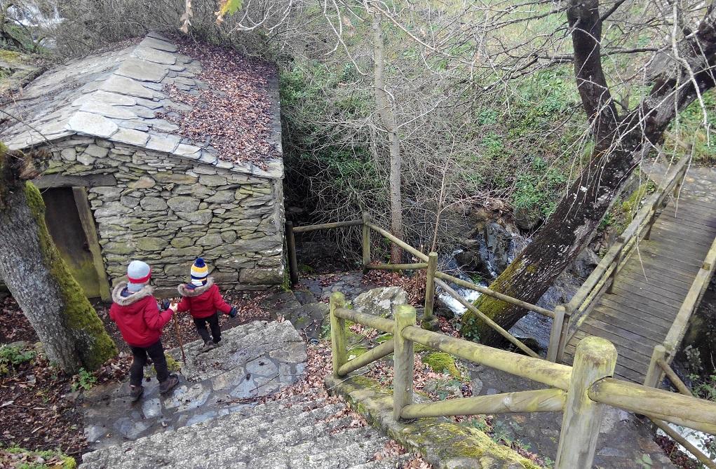 Ruta fluvial en Paradela con niños