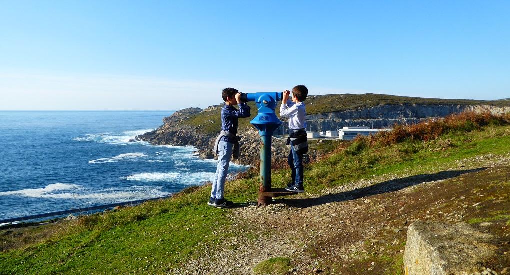 Cabo Prioriño con niños en Ferrolterra