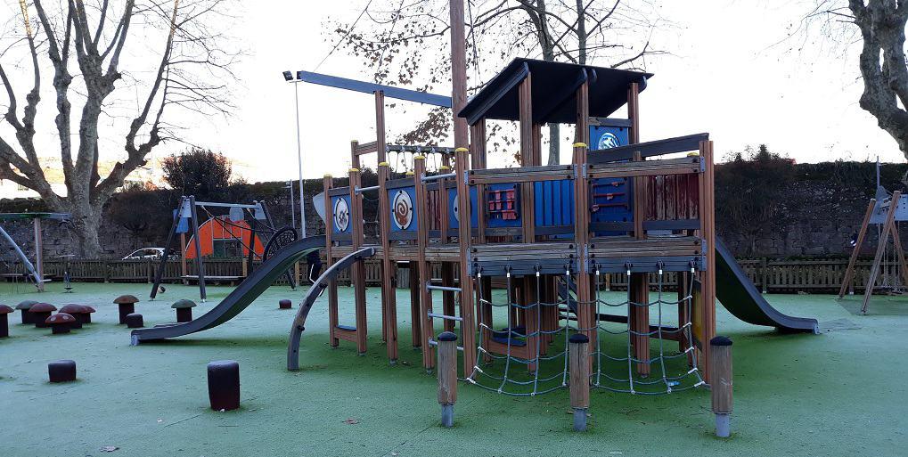 Pontevedra con niños: parque infantil de Barcelos