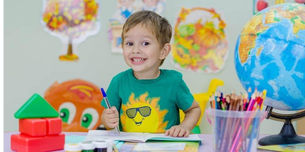 Qué hacer con niños en casa en 10 ideas