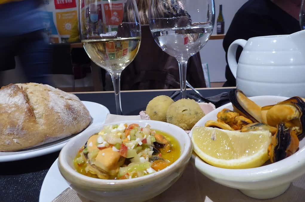 Un menú con productos de origen en Santiago