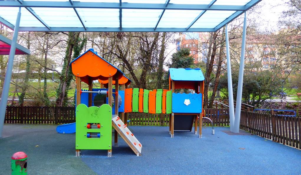 parques cubiertos y canchas deportivas en Galicia
