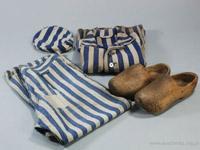 Auschwitz prisoners clothes