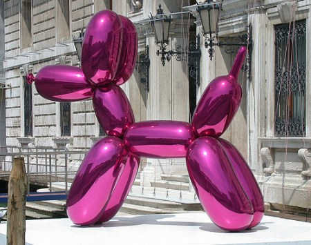 Jeff Koons' magenta balloon dog