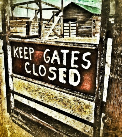 sericson Keep Gates Closed ranch sign