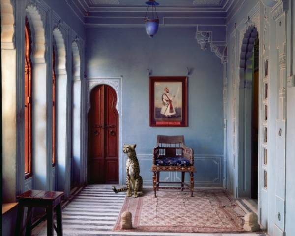 Karen Knorr_The-Maharajas-Apartment-Udaipur-City-Palace-600x480