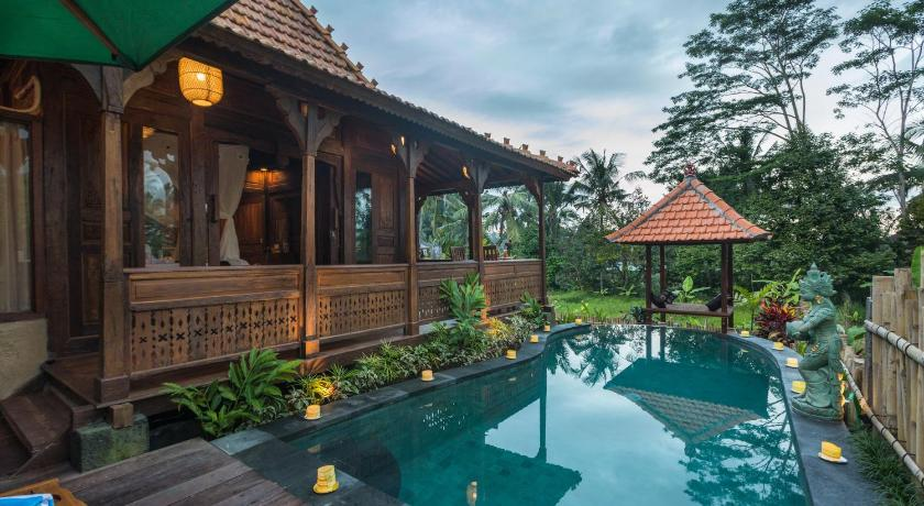 Kawan Antique Ubud Villa is one of the best villas in Ubud, Balid with Private Pools