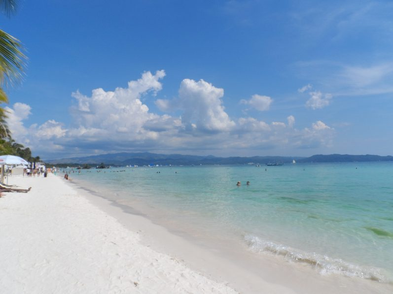 There are over 1,700 Islands but here are 5 amazing places to visit in The Philippines!