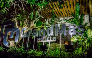 Looking for the perfect hotel in Seminyak? I stayed at the GrandMas Plus Hotel there and it was great! If you want a hotel in a great location with modern facilities but with tradition rooted in it, the GrandMas will be perfect for you.