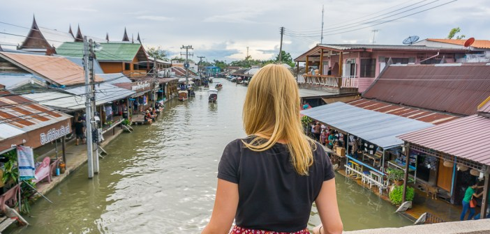 My day trip to the Maeklong Railway Market and Amphawa Floating Market with Trazy