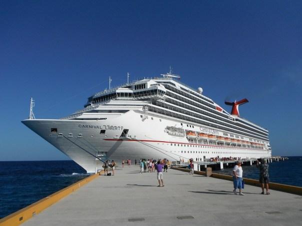 cruise in port