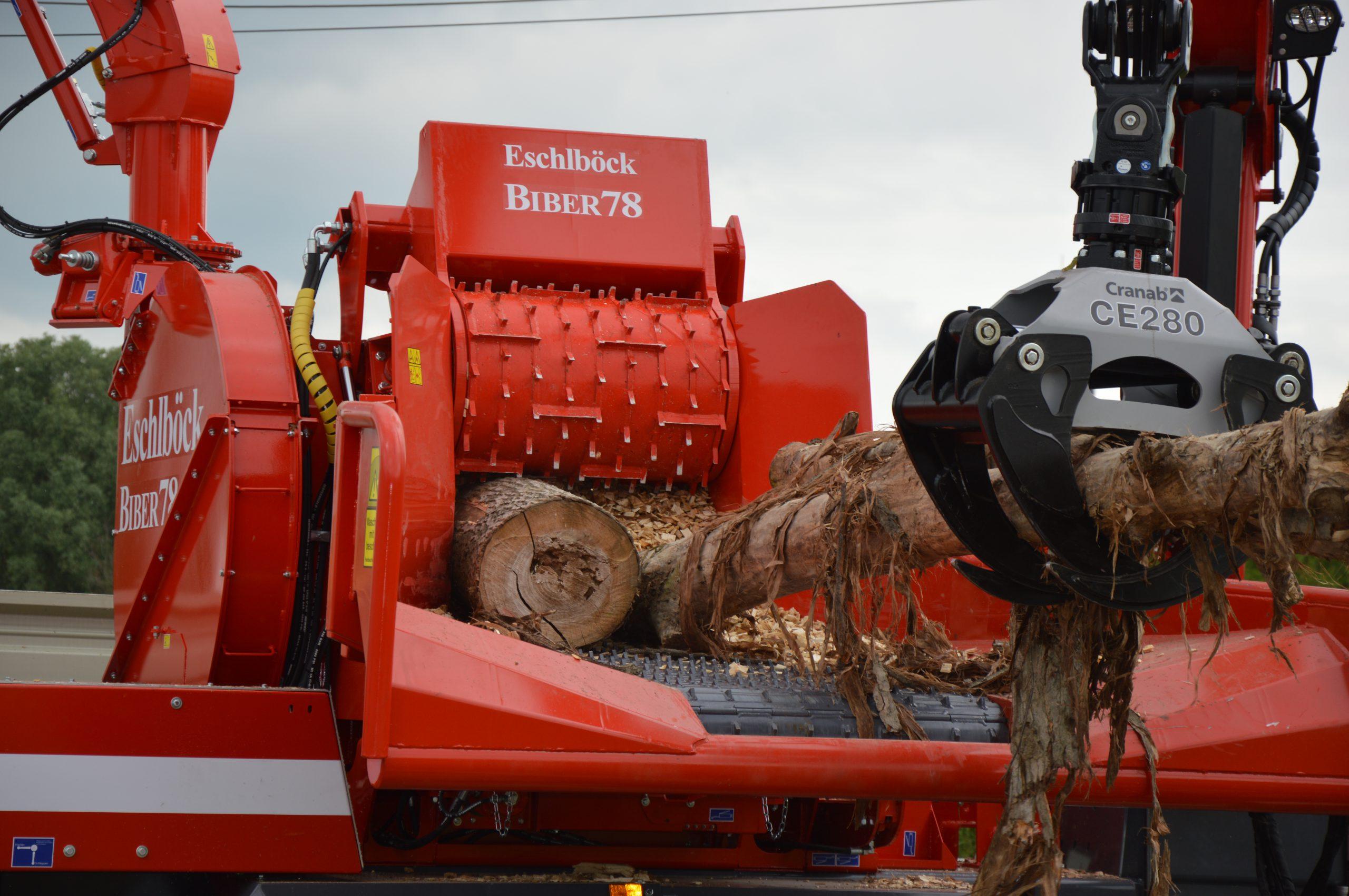 Eschlböck Biber 78 Holzhackmaschine Hackbetrieb Einzug