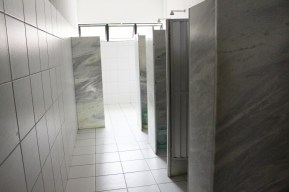 Nosso banheiro feminino. Idêntico ao masculino.