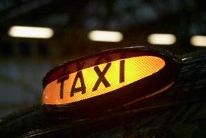 Tribunal de Contas suspende sorteio de táxis pretos em SP
