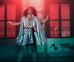 'Tia da van', a monitora Drik Barbosa, hoje cantora, se prepara para turnê na Europa