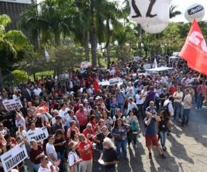 Professores da rede estadual de SP fazem greve no dia 03 de março