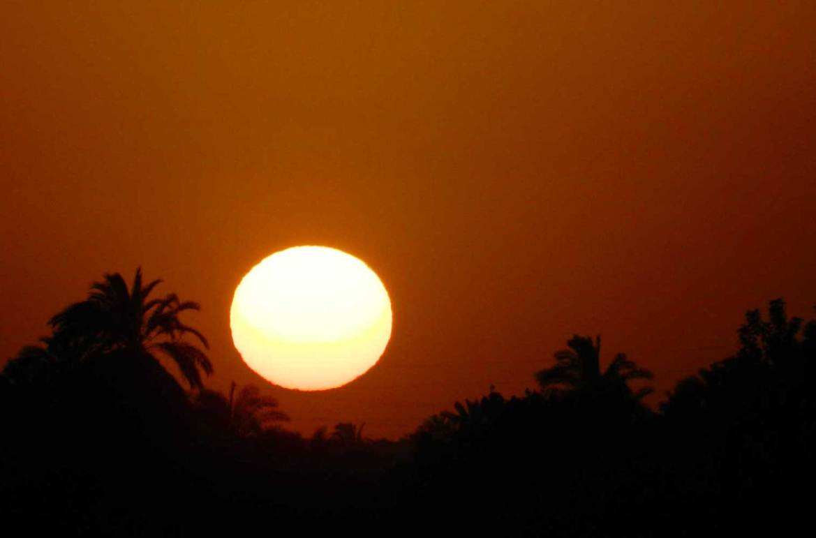Fotos de viagem - Pôr do sol nas margens do Rio Nilo (Egito)