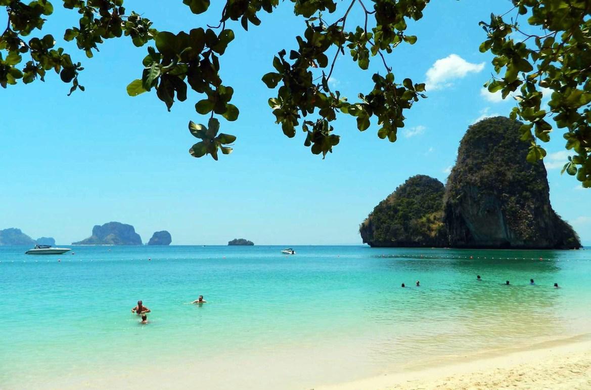 Praias mais lindas do mundo - Praia Phra Nang, em Ao Nang (Tailândia)
