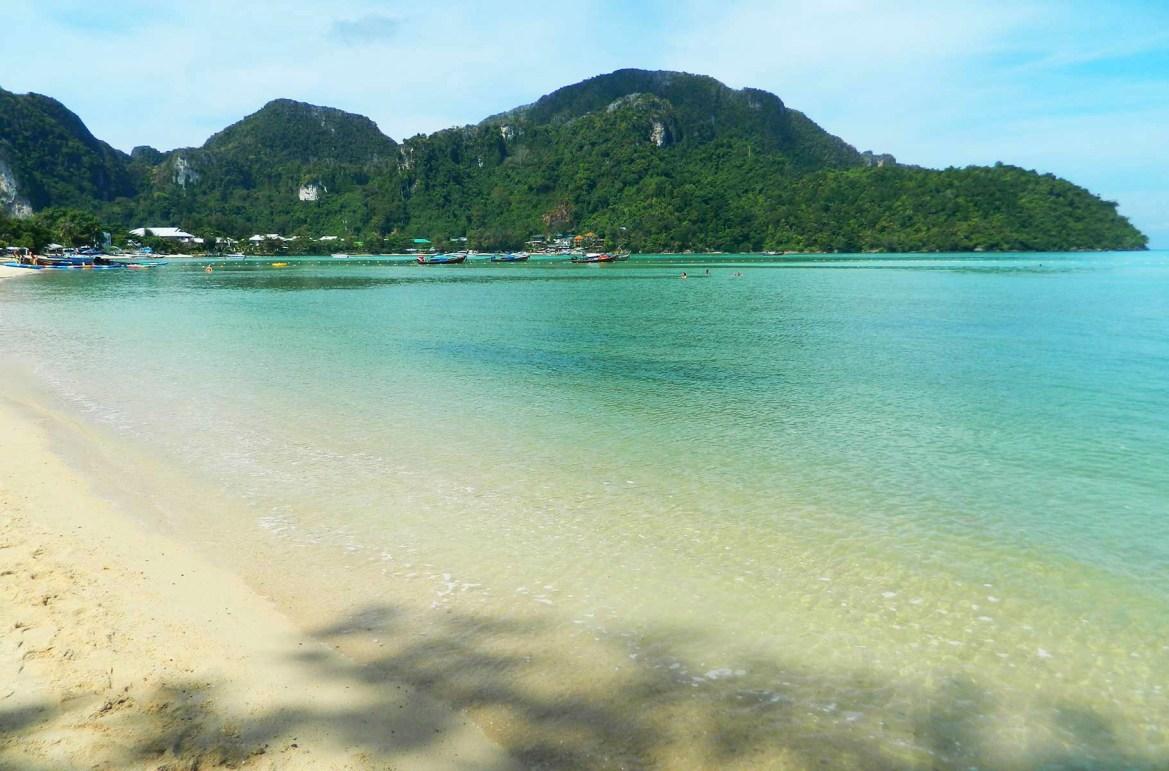 Praias mais lindas do mundo - Loh Dalum Bay, na Ilha de Phi Phi Don (Tailândia)