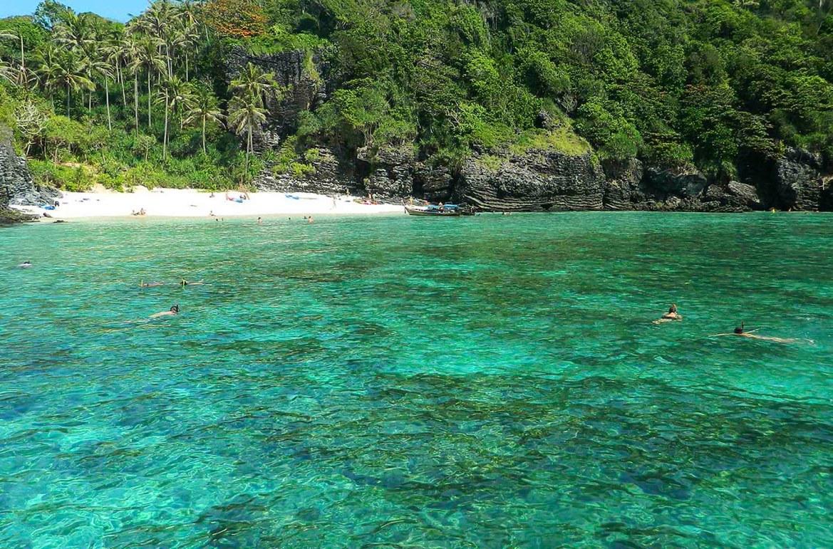 Praias mais lindas do mundo - Loh Samah Bay, na Ilha de Phi Phi Lee (Tailândia)