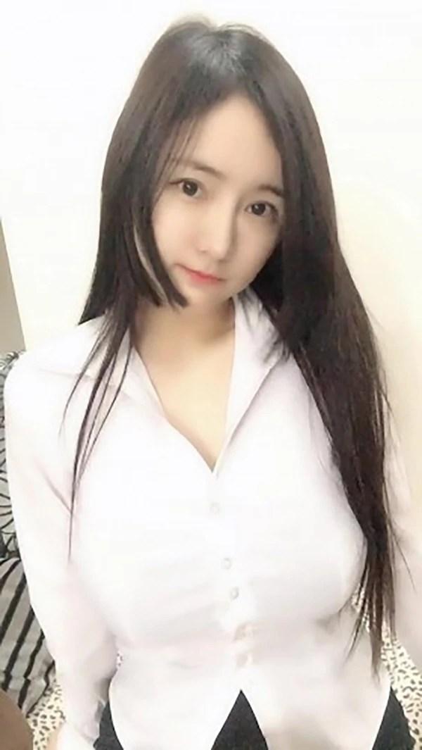 Carrie - Chengdu Escort 1