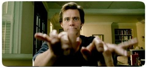 """Jim Carrey em cena do filme """"Todo Poderoso"""""""