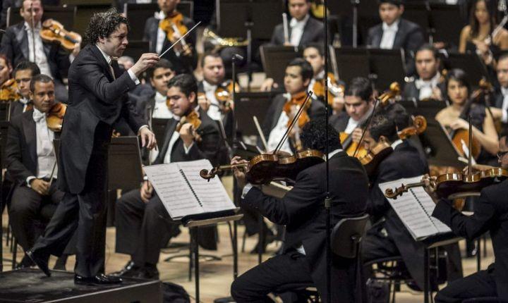 Gustavo Dudamel y la Filarmónica de los Ángeles inaugurarán la temporada del Centenario