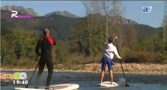 La Escuela Asturiana de Surf y Surfrider Foundation limpian el río Sella