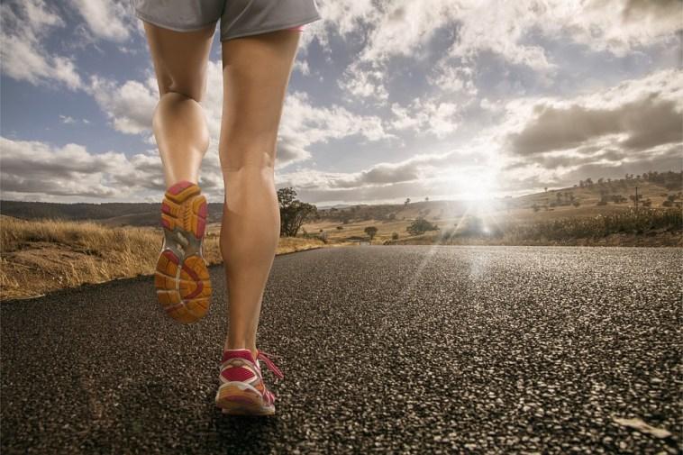 per perdere peso quanto bisogna camminare