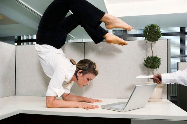 stretching schiena ginnastica in ufficio