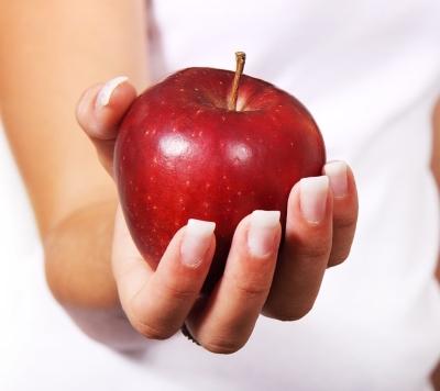 mela rossa benefici e proprietà