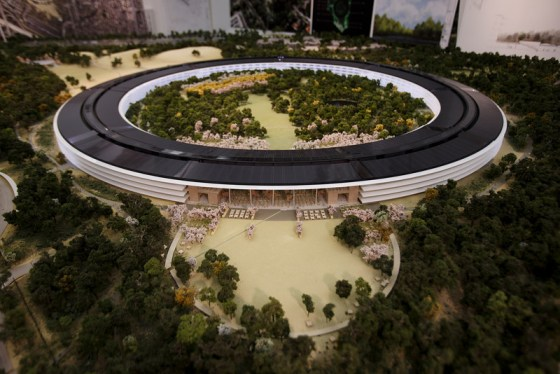 Apple Campus 2 a