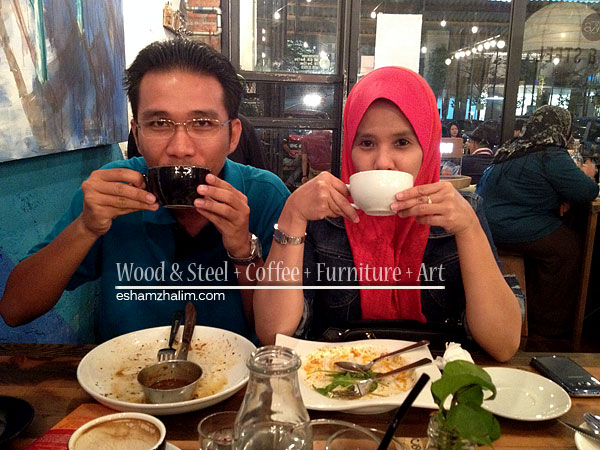 wood-and-steel-coffee-furniture-art-segmen-jom-ngopi-eshamzhalim-cafe-review-12