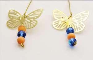 Χειροποίητα Σκουλαρίκια χρυσά πεταλούδες διάτρητες μεγάλες και κρυσταλλάκια.