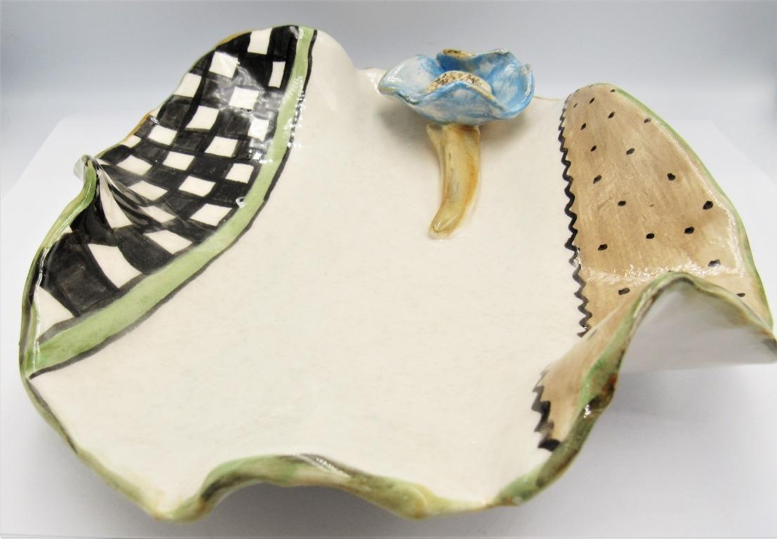 Πιατέλα χειροποίητη κεραμική σειρά ''New Flower'' σκάκι. Διάμετρος : 21εκ